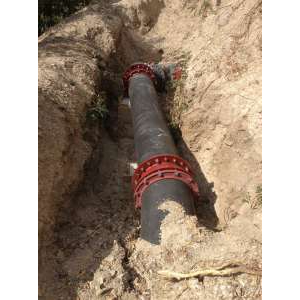 Соединение чугунных труб большого диаметра под углом